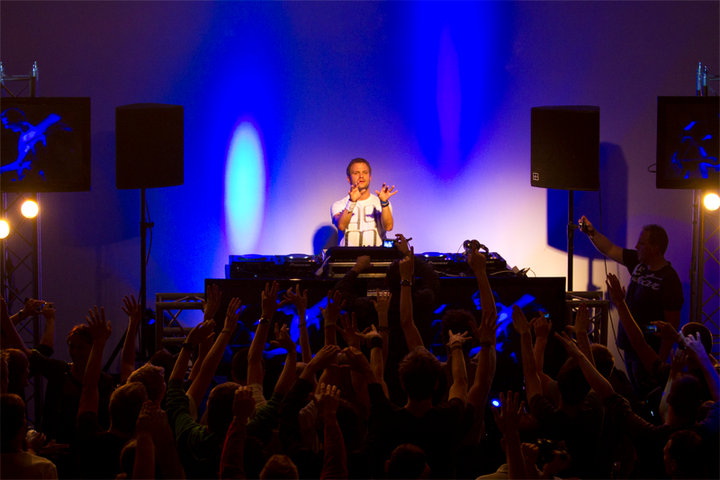 Dash Berlin Profile Link