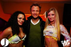 free.BASS with Dash Berlin Photo Slideshow