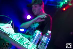 [PHOTOS] Manic Focus mashes the Miramar in Milwaukee with ProbCause, Fresh Taste - May 17, 2014