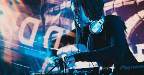 This live set from A Hundred Drums will be your go-to deep dubstep mix