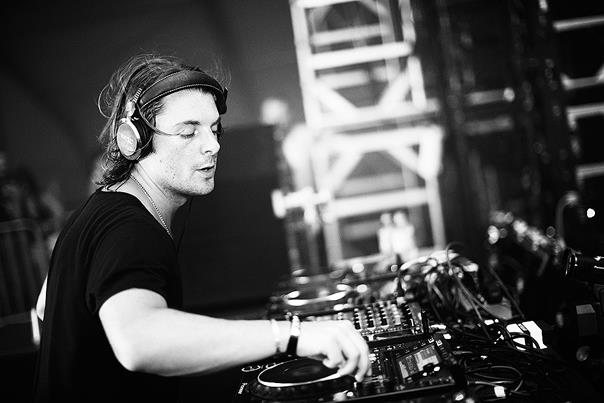 In February , Axwell and Dirty South's remix of the song